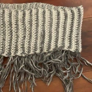 💛One and grey striped infinity scarf with frills